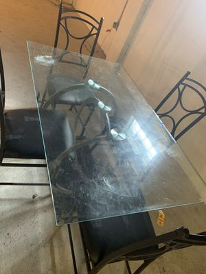 Dining table for Sale in West Allis, WI