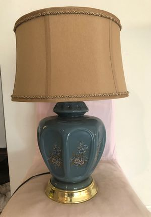 Large lamp for Sale in Lexington, KY