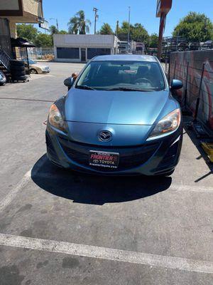 2011 Mazda 3 title salvaje solo 36k millas originales ni fun problema motor y transmisión 100% traiga su mecánico placas se las dan cuando lo registr for Sale in Los Angeles, CA