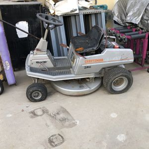 Ride On Lawnmower Craftsman for Sale in Azusa, CA