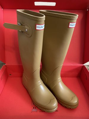 Woman's Hunter Tall Rain Boots (size 7) for Sale in Las Vegas, NV