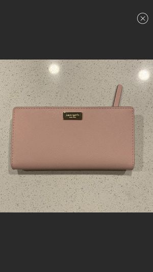 kate spade wallet for Sale in Godfrey, IL