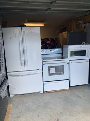 Whirlpool white kitchen set new for Sale in Bradenton, FL