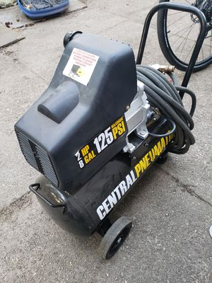 central pneumaic air compessor 8 gallon 125 hp for Sale in Boston, MA