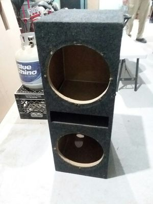 Dual 12 inch subwoofer box. for Sale in Logan, OH
