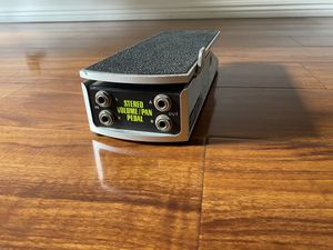 Ernie Ball 6165 Stereo Volume/Pan Pedal for Sale in Torrance, CA