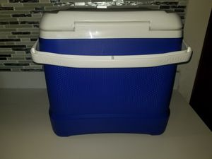 New Igloo Cooler 30qt Lunch Cooler for Sale in Los Angeles, CA