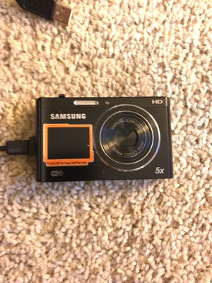 Samsung DV300F like new digital camera HD WiFi plus front camera for Sale in Los Angeles, CA
