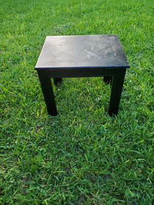 Solid wood end table for Sale in Austin, TX