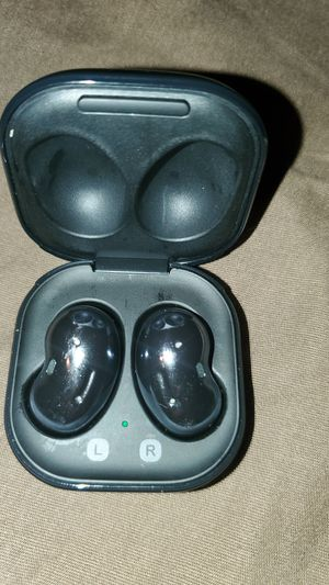 Galaxy Bud Live earbuds/Wireless charger for Sale in Hazelwood, MO