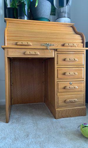 Small oak roll top desk. for Sale in NO POTOMAC, MD
