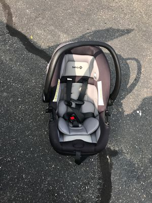 Safety 1st car seat for Sale in Springfield, MA