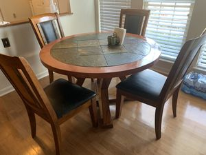 Dining room set (chairs (4) and table) for Sale in Manassas, VA