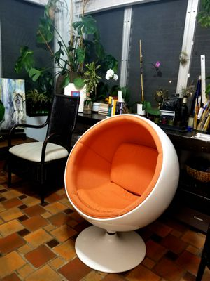 Kids Dome/Globe Chair for Sale in Coral Gables, FL