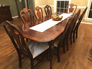 Dining Room Table for Sale in Kingston Springs, TN