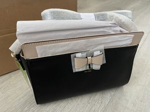 Brand new Kate spade Black and Tan purse for Sale in Cupertino, CA
