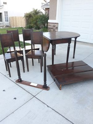 VINTAGE ANTIQUE DINETTE SET (NEEDS TLC / GREAT PROJECT PC.) PLEASE READ POST / SEE ALL PICS for Sale in Corona, CA