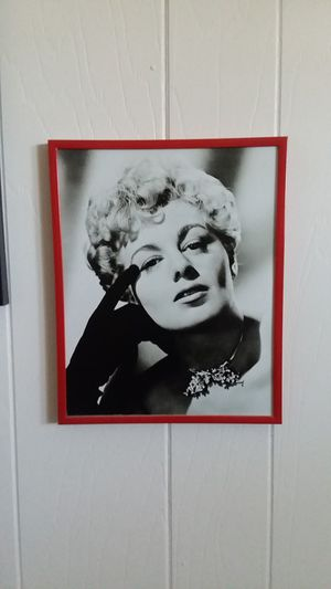 Shelly Winters 8 x 10 photo in metal and glass hanging frame for Sale in Garden Grove, CA