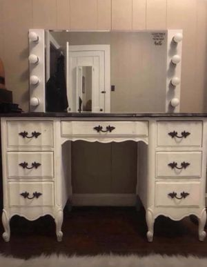 Large lighted makeup mirror (vanity NOT included!) for Sale in Richmond, VA
