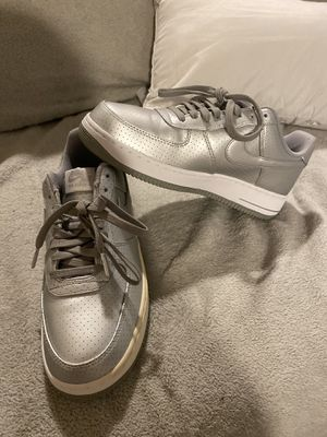 Air Force 1 '07 LV8 1992 edition metallic for Sale in Fort Walton Beach, FL