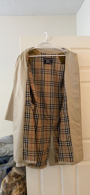 Burberry trench coat. Only real people and no I will not give you my number for Sale in Atlanta, GA