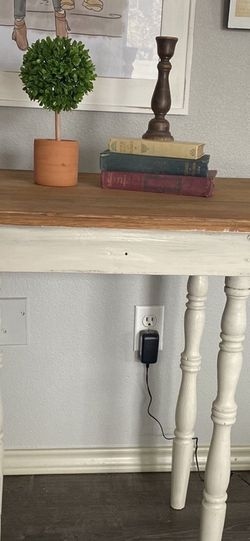 Entry Way Table Or Side Table for Sale in Nampa,  ID