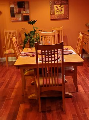 Light oak dining room table with 6 chairs & a leaf for Sale in Brick Township, NJ