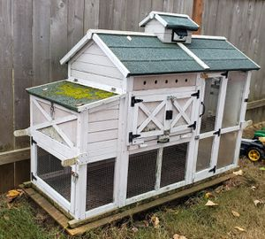 FREE Chicken Coop *pending pick-up* for Sale in Kent, WA