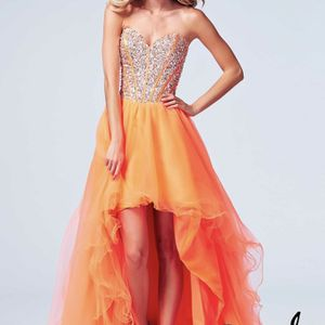 Mac Duggal Style 61652A Prom Dress for Sale in Raleigh, NC