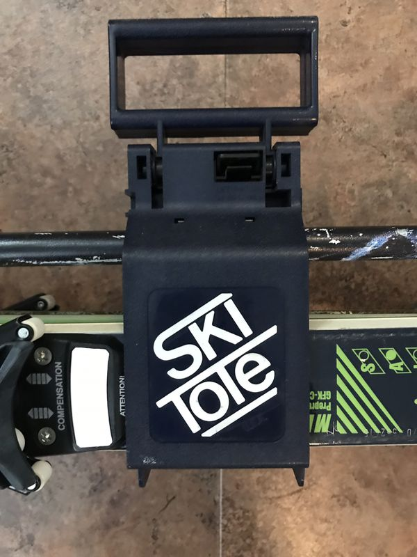 Skis With Tote