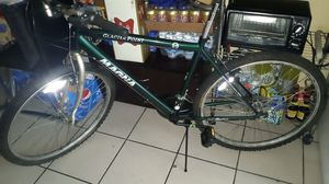 26'' mountain bike magna just needs a seat only. for Sale in Miami, FL