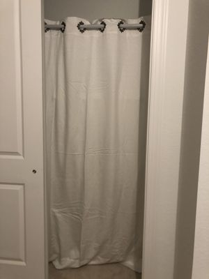 5 panels of double layer blackout white curtains 54in by 85in for Sale in Pompano Beach, FL