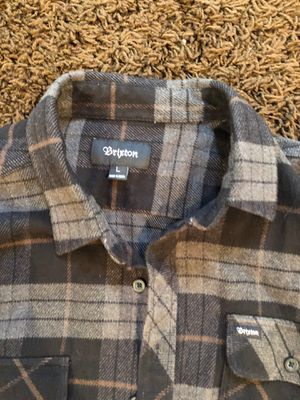 Brixton Men's Sixe L gray and black plaid flannel shirt $25 for Sale in Bothell, WA