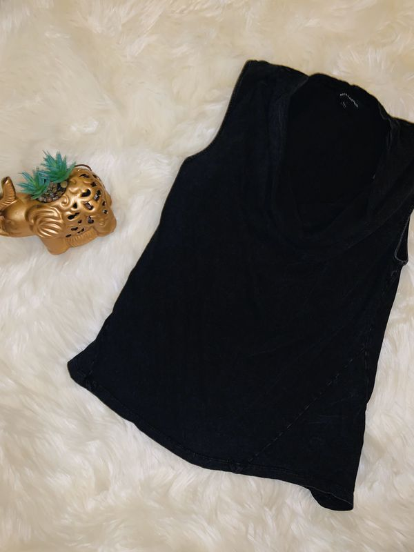 MOVING & CLOSEOUT SALE !!! Beautiful black holiday top for sale !!!