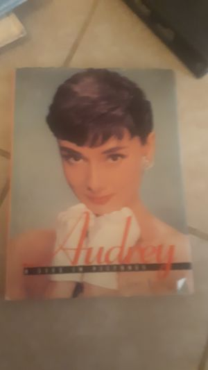 Audrey a life in pictures hard cover book for Sale in Alexandria, LA
