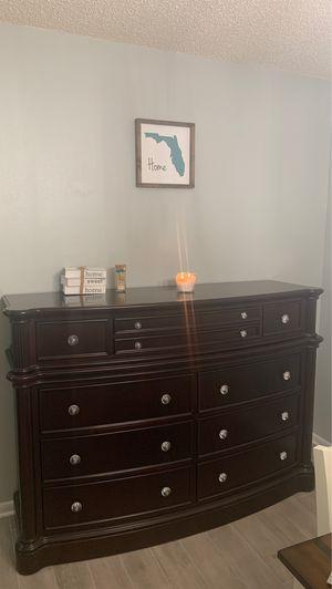 King size bedroom set for Sale in Brooksville, FL