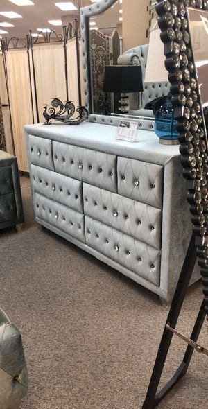 Beautiful Queen Bedroom set Bed + Dresses + Mirror + Night stand (JUST $54 DOWN) for Sale in Arlington, TX