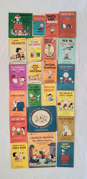PEANUTS SNOOPY AND CHARLIE BROWN GANG BOOK LOT for Sale in Las Vegas, NV