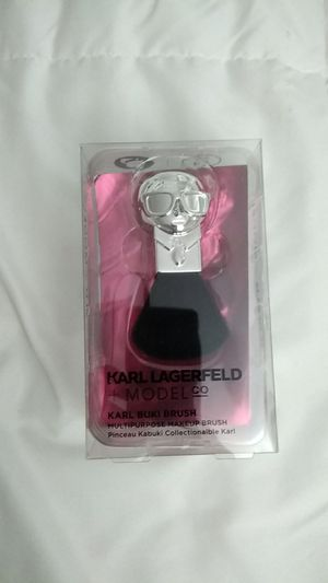 karl lagerfeld x modelco buki brush for Sale in Bellevue, WA
