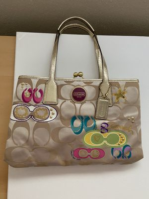 Coach bag and wallet for Sale in Portsmouth, VA