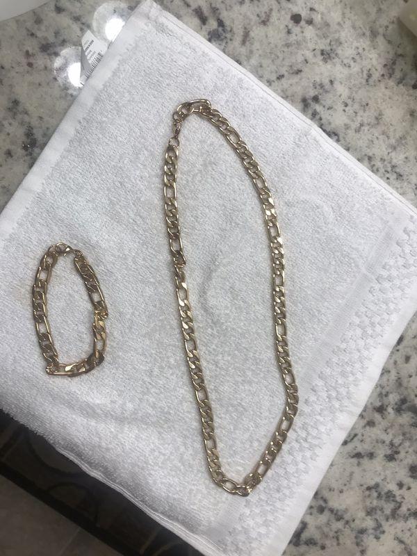 Gold necklace and bracelet for men