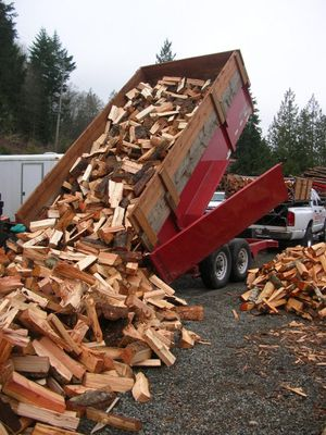 BONE DRY SPLIT FIREWOOD DELIVERED FIR, MAPLE, & MADRONE for Sale in Port Orchard, WA