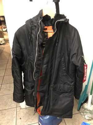 Alpha Industries Fur Parka sz M in Black for Sale in Las Vegas, NV
