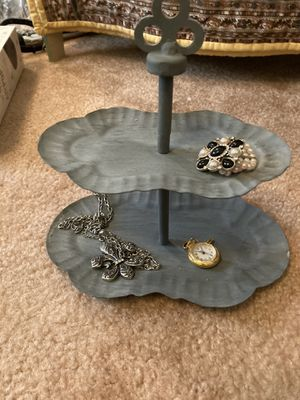 Gray ring and jewelry Tabletop/Vanity Jewelry Holder for Sale in Gaston, SC