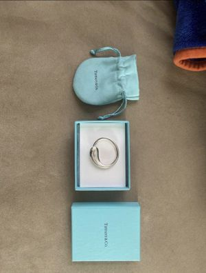 tiffany and co key ring holder for Sale in San Marcos, CA
