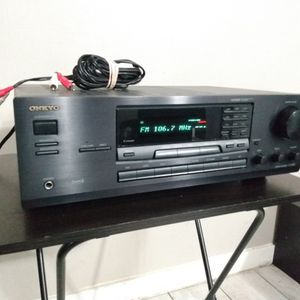 Onkyo TX-8522 Stereo Receiver for Sale in Los Angeles, CA