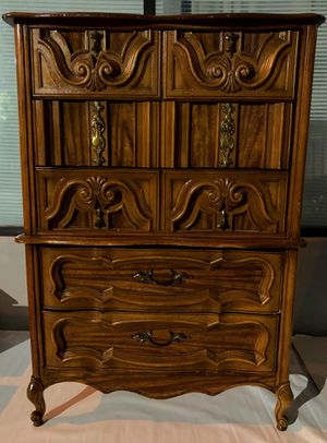 ANTIQUE 5 DRAWERS DRESSER 💞💞💞💞 for Sale in San Francisco, CA