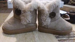 Girls beige winter boots for Sale in Oklahoma City, OK