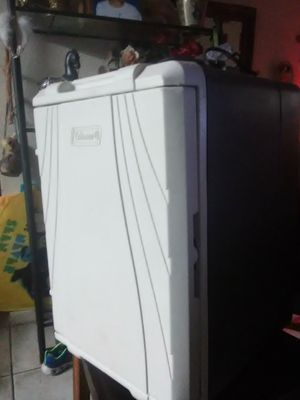 Coleman 40qt thermoelectric cooler for Sale in Mesa, AZ