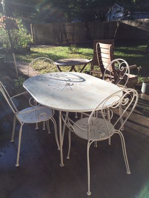 Outdoor table and 4 chairs for Sale in Norfolk, VA